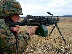 soldier, M249 SAW